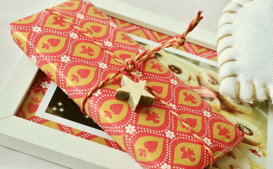 gift-1099751_960_720